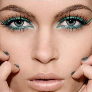 renkli-eyeliner-hilelerii-2