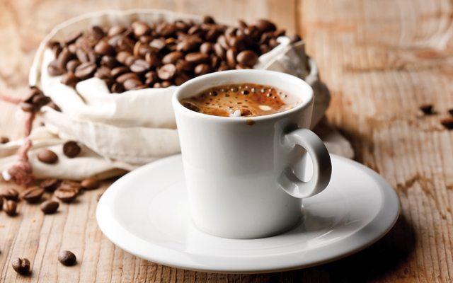 Çayına, kahvene tatlandırıcı veya şeker ekler misin?
