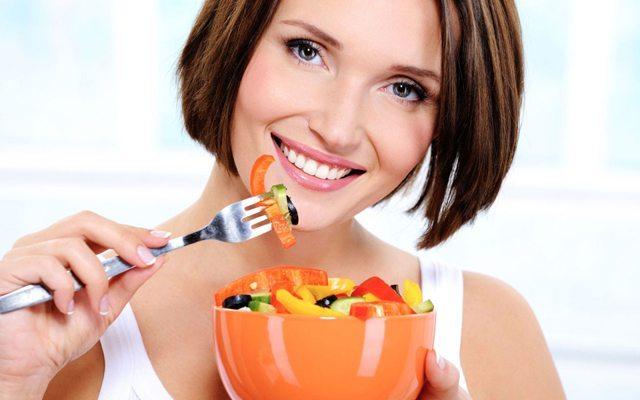diyet-salata-kadin-yeni